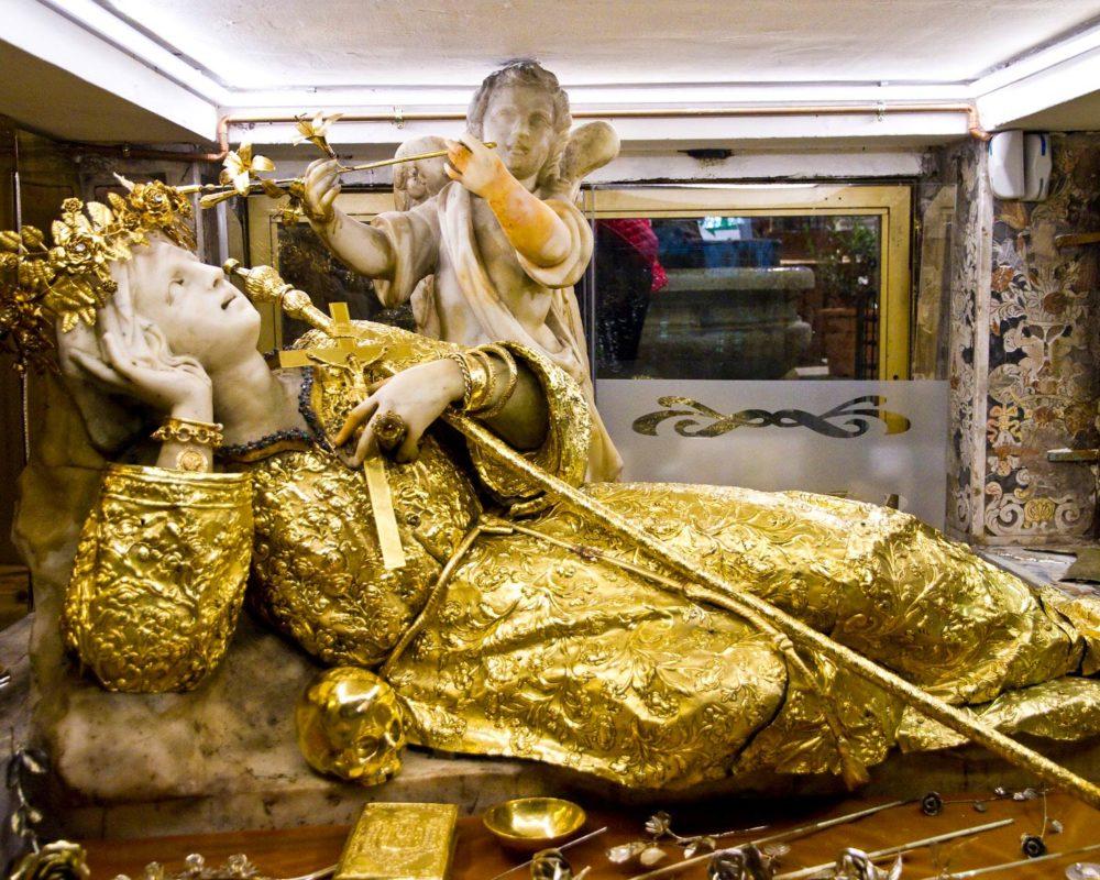Santa Rosalia Interno Santuario